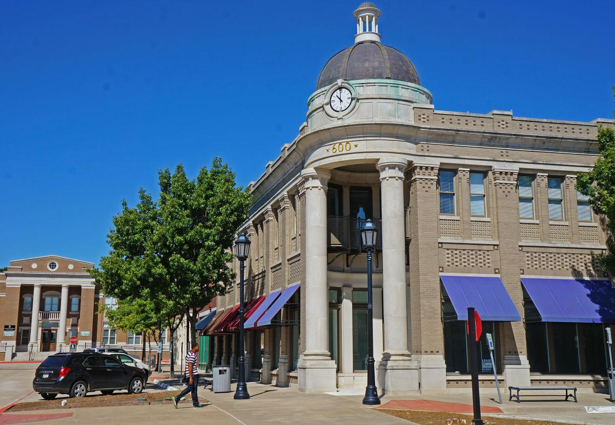 Businesses ing to Parker Square The Leader