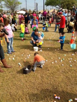 """<p class=""""normal"""">Rowlett's Easter Egg Huntis from 10 a.m. to noon Saturday at Pecan Grove Park, 5300 Main St. This free event for children ages 0 and older includes 20,000 treat-filled eggs plus a DJ, face painting, bounce houses and photos with the Easter Bunny.</p>"""