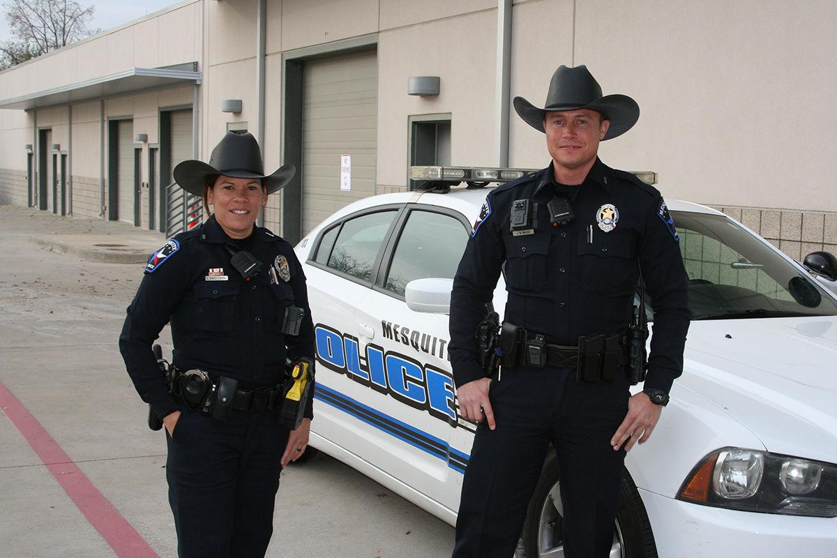mesquite police officers begin wearing cowboy hats