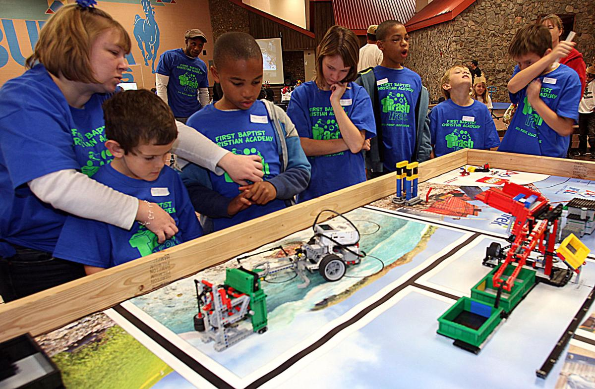first lego league The first lego league (also known by the acronym fll) is an international competition for elementary and middle school students (ages 9—14 in the usa and canada, 9—16 elsewhere)it is arranged by the first organization each year the contest focuses on a different real-world topic related to the sciences.