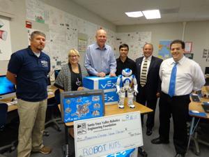 Robotics foundation donates to local school