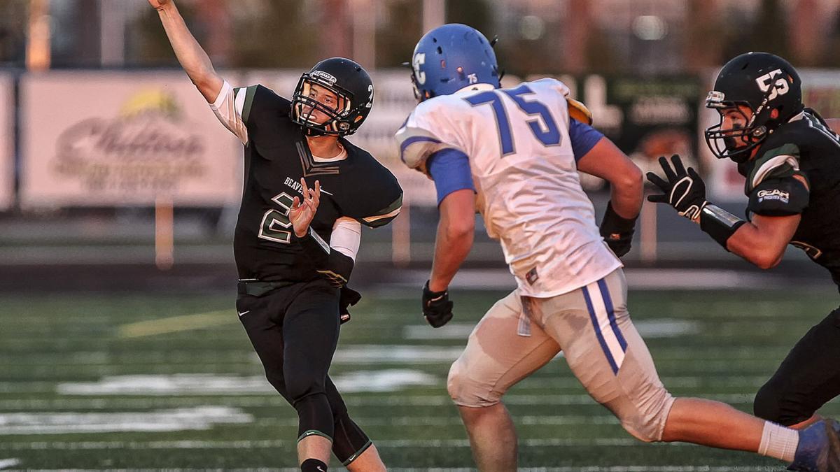 Football: La Center at Woodland, 9.11.15