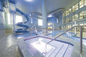 Holiday Inn Express makes splash with indoor water park