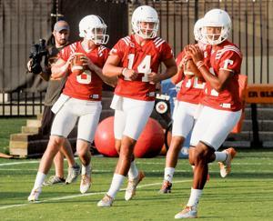 Quarterbacks at Tennessee practice