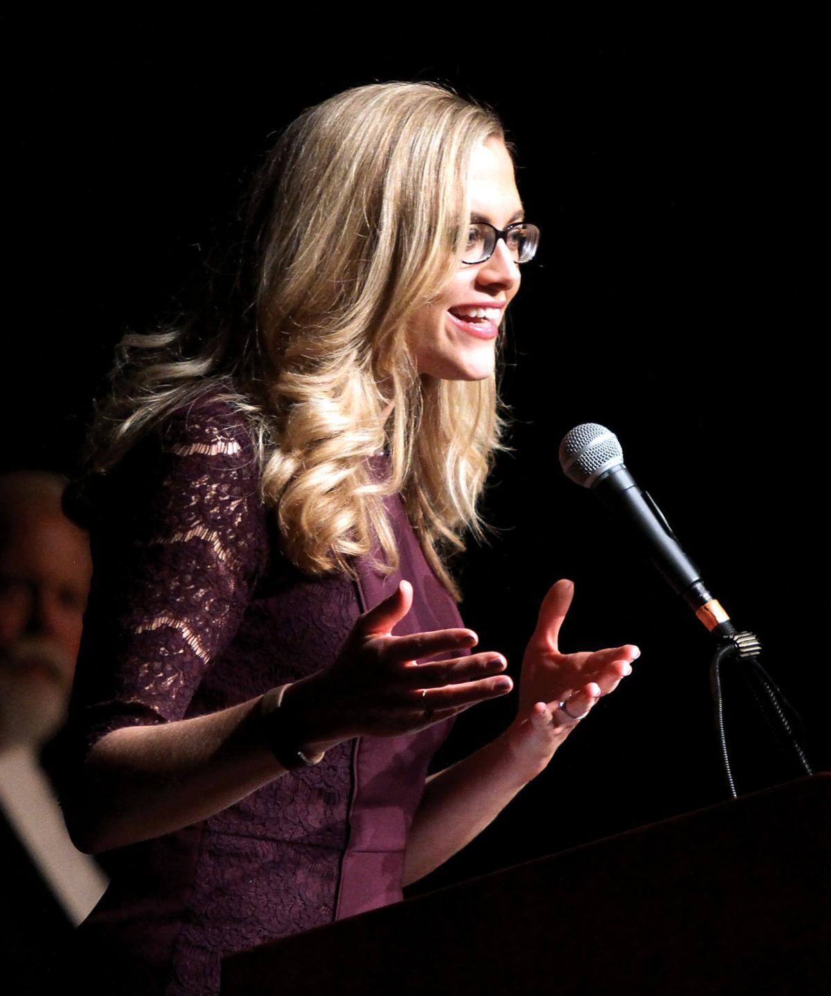 wbir noon anchor mary scott speaks to academic letter winners