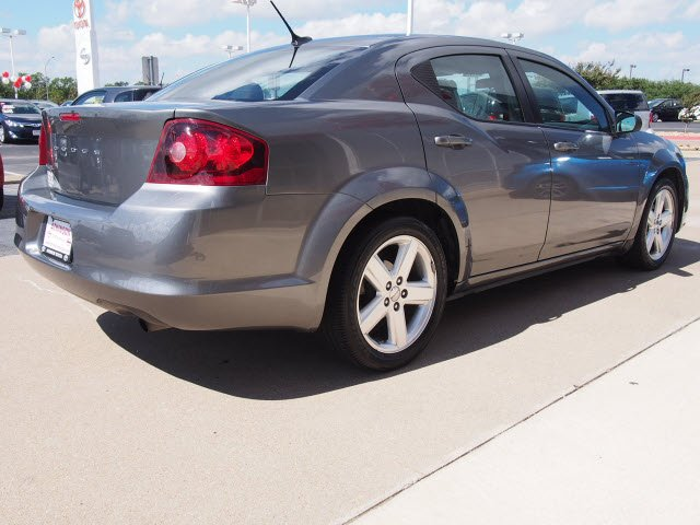 2013 tungsten metallic clear coat dodge avenger sedans