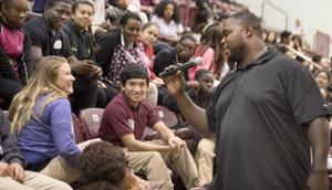 Former Aggie football great Warren stresses need for education in Hearne