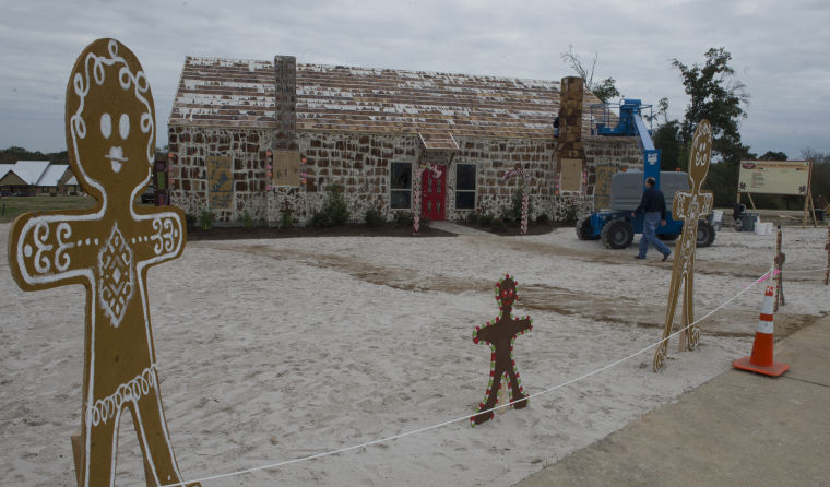 Traditions Club gingerbread house named world's largest