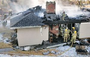 Fire destroys Kuester Lake home