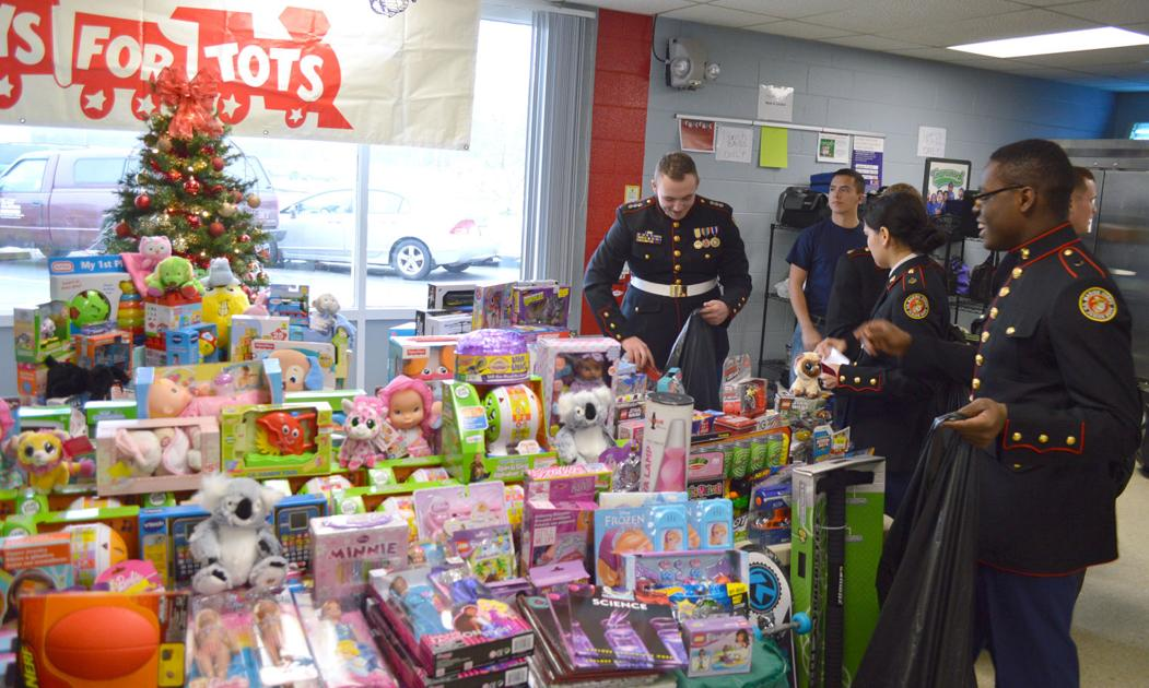 Toys For Tots Food : Meijer hearthside food solutions donate to toys for tots