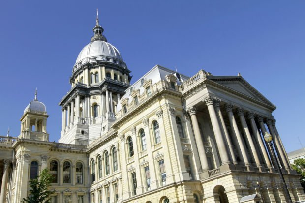 Illinois lawmakers return from break facing budget issues