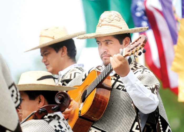 the old feed store features traditional mexican music friday music. Black Bedroom Furniture Sets. Home Design Ideas
