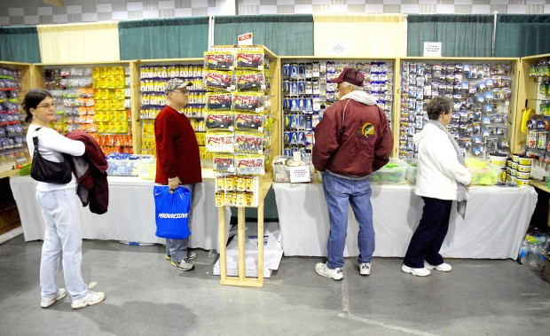 Southern illinois boat and fishing show starts today for Chicago fishing show