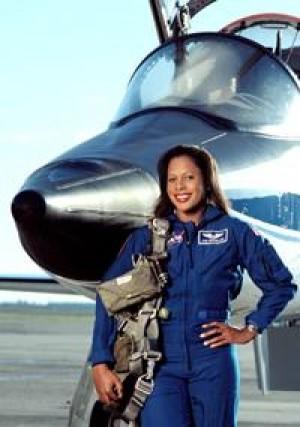 joan the astronaut - photo #9
