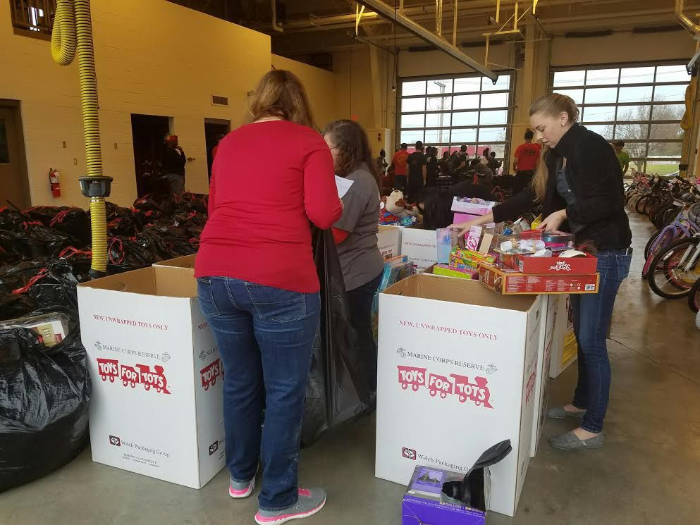Toys For Tots Sign Up Application Form : Carbondale families benefit from toys for tots