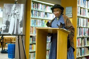 Photos: Portrayal of Elizabeth Keckley, Dressmaker to First Lady Mary Todd Lincoln