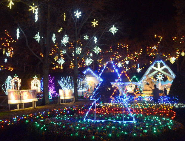 Attleboro Christmas Lights