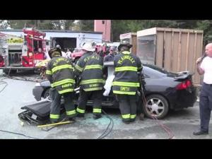 "Plainville FD Open House ""Jaws of Life"" Demo"
