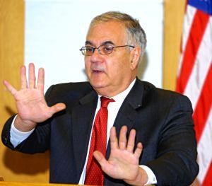 Barney Frank drafts bill on mortgage crisis