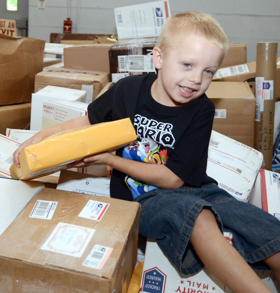 Foxboro's Danny Nickerson's birthday gifts: 30,000 cards ... 1,000 packages ... 24,000 'Likes' ...