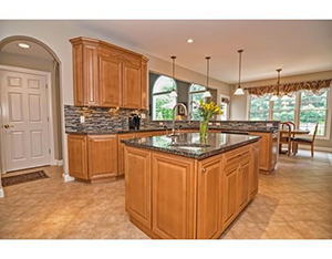 Foxboro - SELLER WILL ENTERTAIN OFFERS FROM $960,000-$1,050,000