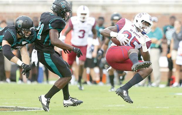 Coastal cruises to 30-3 win as S.C. State mistakes keep Bulldogs out of end zone