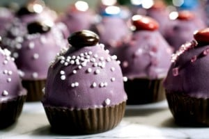 Turning cake pops into fame in the blogosphere