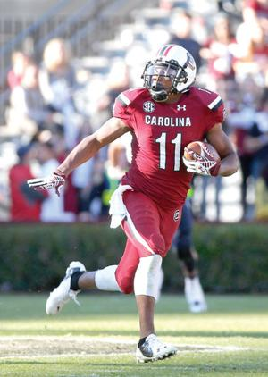 South Carolina gets bowl eligible with 37-12 win