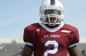 SCSU record-setter signs as free agent with N.E. Patriots