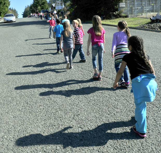 Students practice for predicted earthquake tsunami