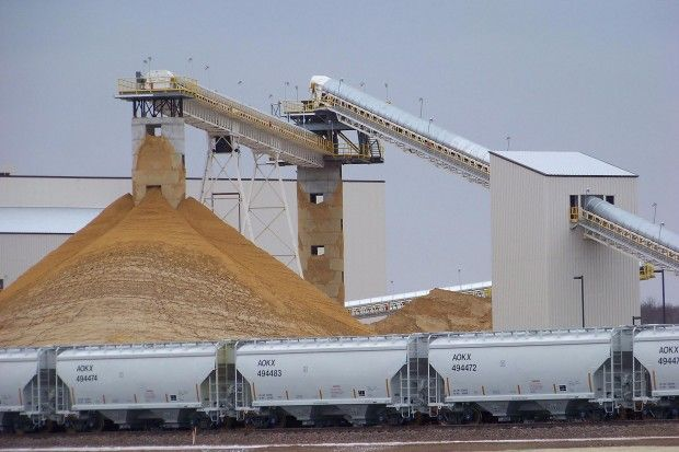 Fracking sand delivery big business in Wyoming