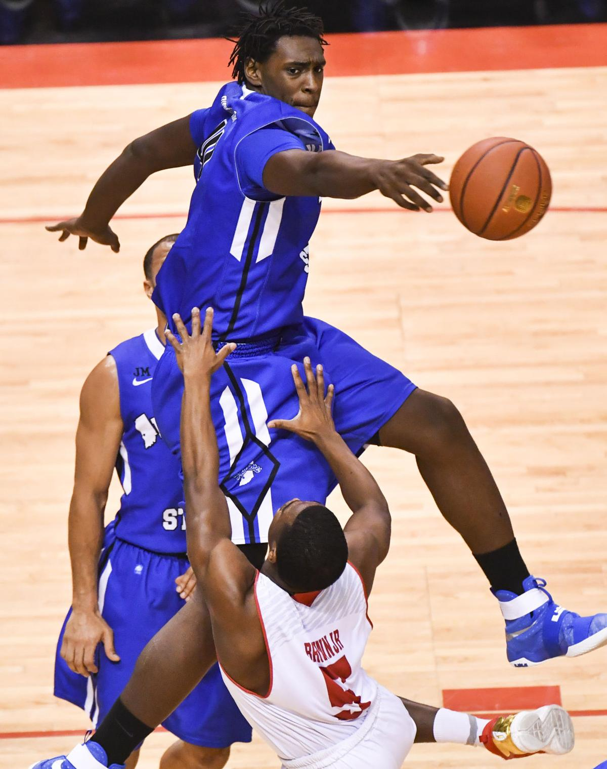 ugly win at bradley is beautiful for sycamores