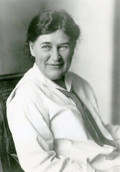 a biography of willa cather and the importance of her works Willa cather (1873-1947) is a to spend most of her life in pittsburgh and new york city they generally have ignored cather's most important theme.