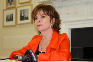 Obama homenajeará a Isabel Allende y otros