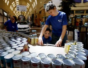 Photos: Canstruction