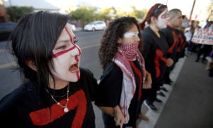 Tucsonans protest Mexico's handling of missing-students case
