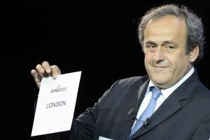 Platini critica a FIFA por caso de relojes de lujo