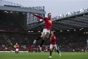Doblete de Rooney rescata a Man United
