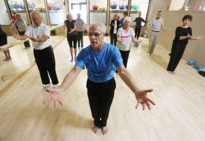 Once-paralyzed Oro Valley man now teaches tai chi