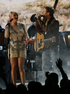 Miranda Lambert, Dierks Bentley bring 'Locked & Reloaded' to Phoenix