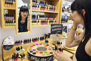 New Tucson store sells 'fresh' cosmetics