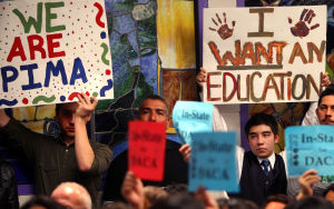 Universidades de Az podrían reducir tarifas a los Soñadores