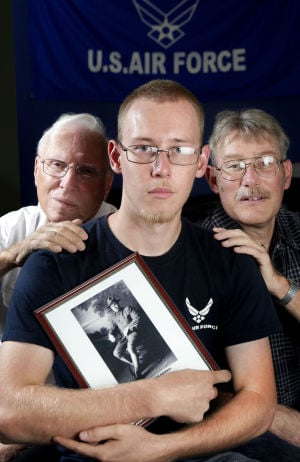 Family tradition: 4 generations share same enlist date