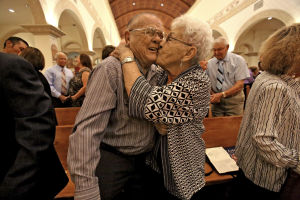 Married 68 years, couple renews vows en masse
