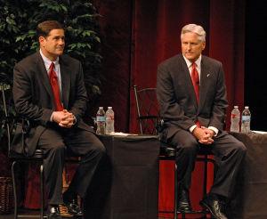 DuVal y Ducey en debate sobre educación