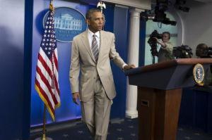 Obama's tan suit stirs fashion flak