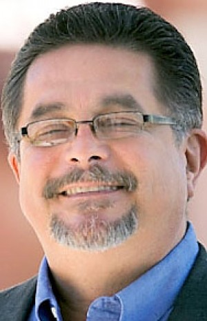 Pima County Board of Supervisors, District 5: Elías cites jobs-help history; Gonzales says he'll do more