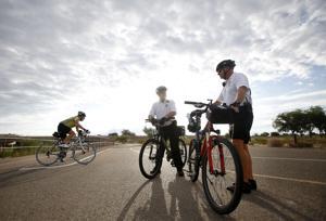 Sheriff's volunteers patrol county's Loop trails