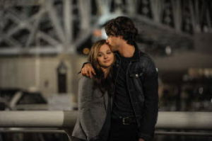 Young love lives or dies with one decision in 'If I Stay'