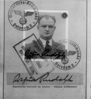 Nazis expulsados siguieron cobrando Seguro Social